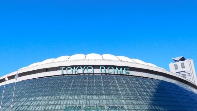 東京ドームと青空